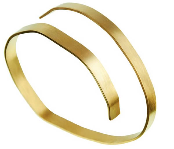 Golden contemporary bangle