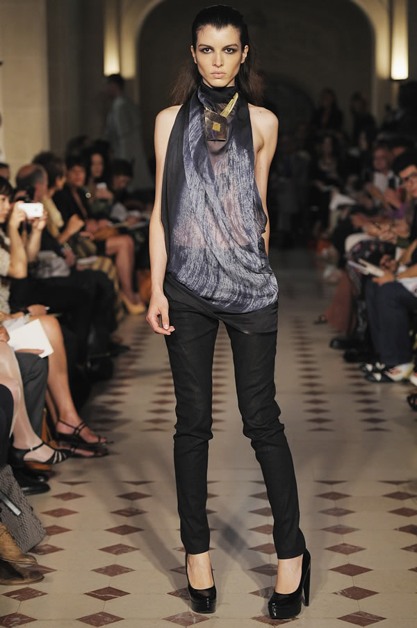 Gustavo lins at singapore french couture week 2012 for Chambre de commerce francaise singapore