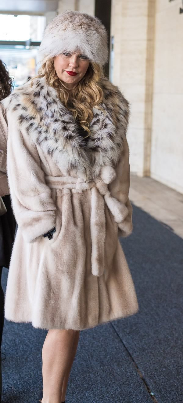Women In Fur Coats