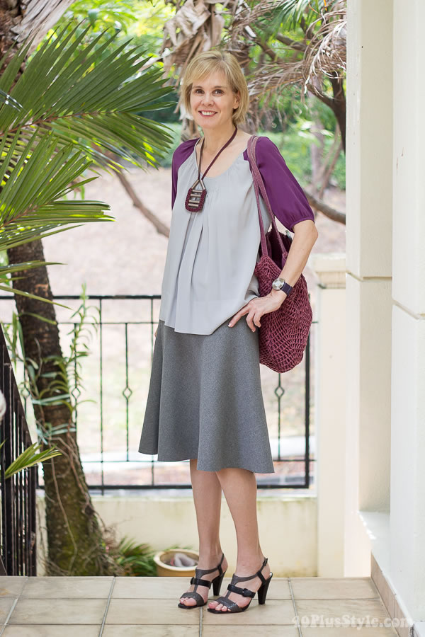 Tips for wearing pastels: combine with brighter assessories on top! | 40PlusStyle.com