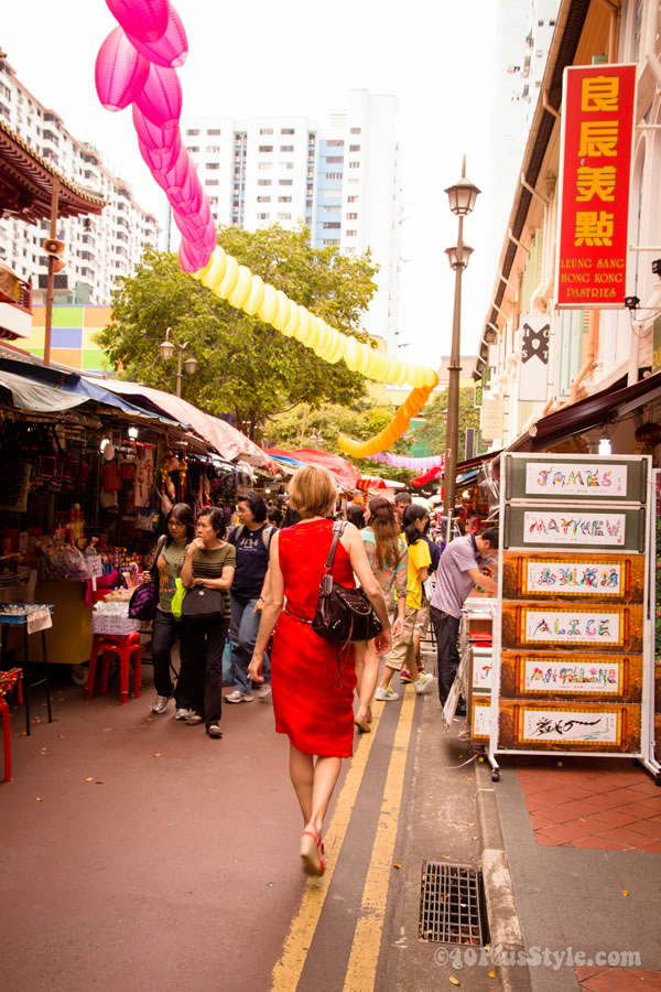 walkingaroundChinaTownSingapore