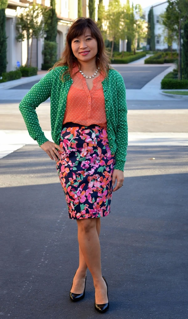 flower pencil skirt | 40plusstyle.com