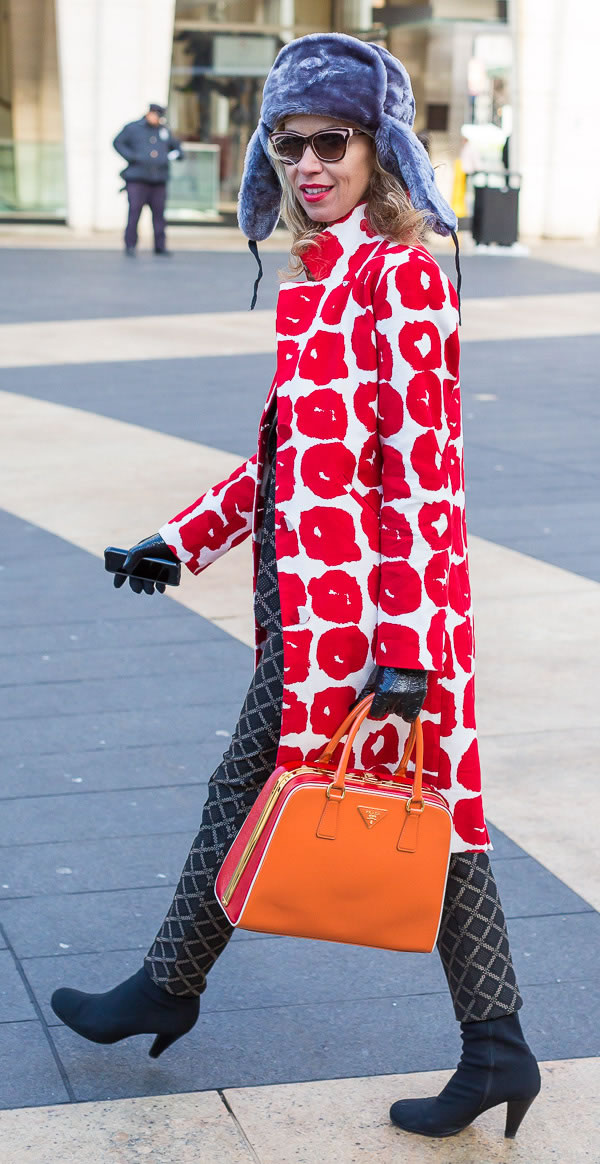 The best graphical outfits as worn by women during New York fashion week | 40PlusStyle.com