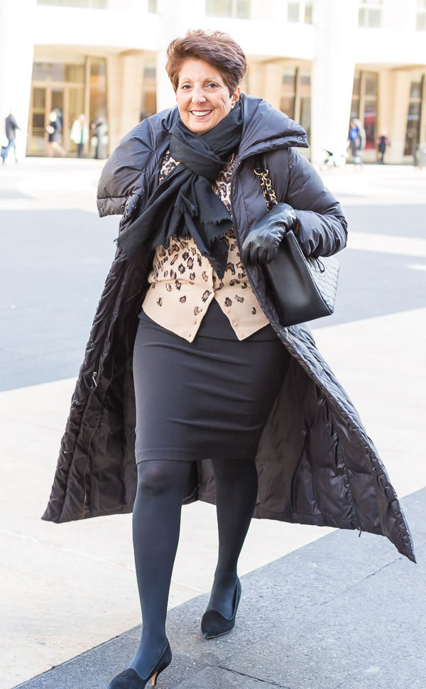 Mixing black with animal print | 40plusstyle.com