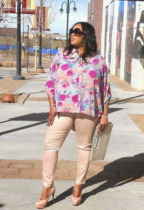 skinnies with flower top  40plusstyle.com