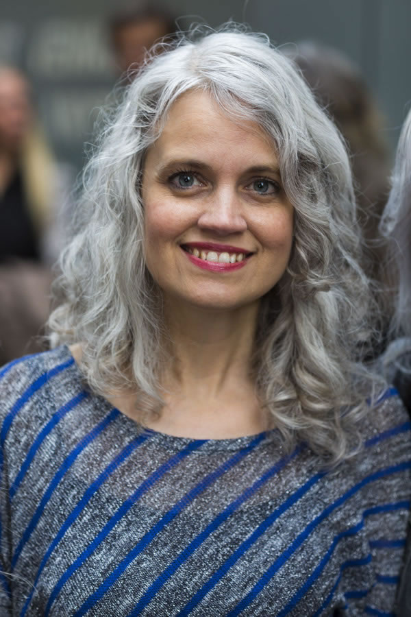 Celebrating women with long grey hair | 40plusstyle.com