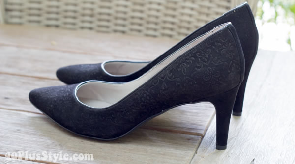 suede Lendra pump by Rockport | 40plusstyle.com