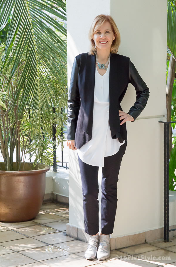 How to dress casual and comfortable for work?