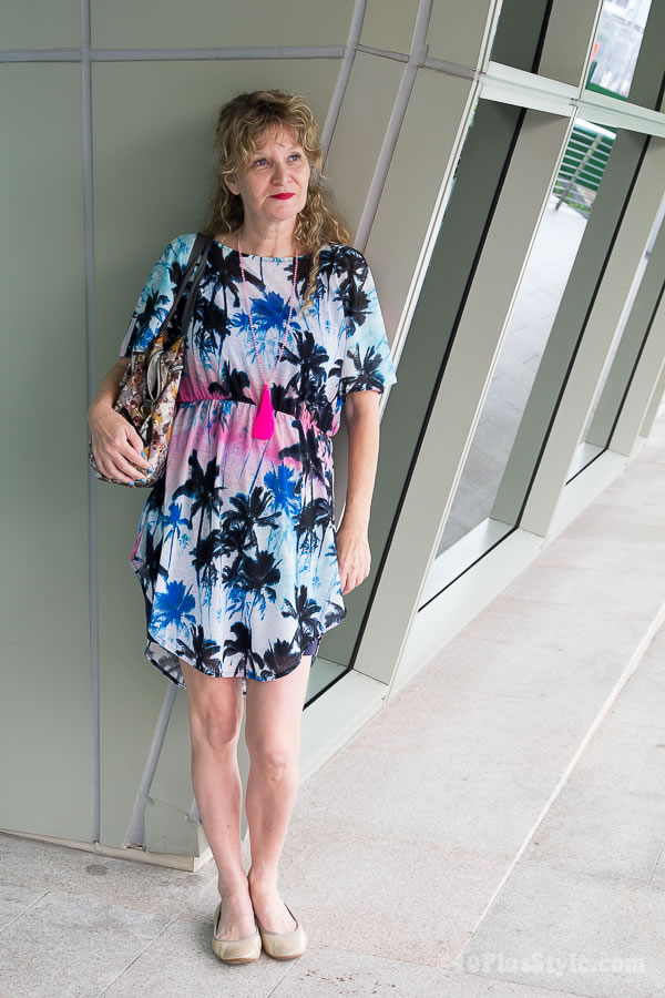 Anja wearing a flower dress | 40plusstyle.com