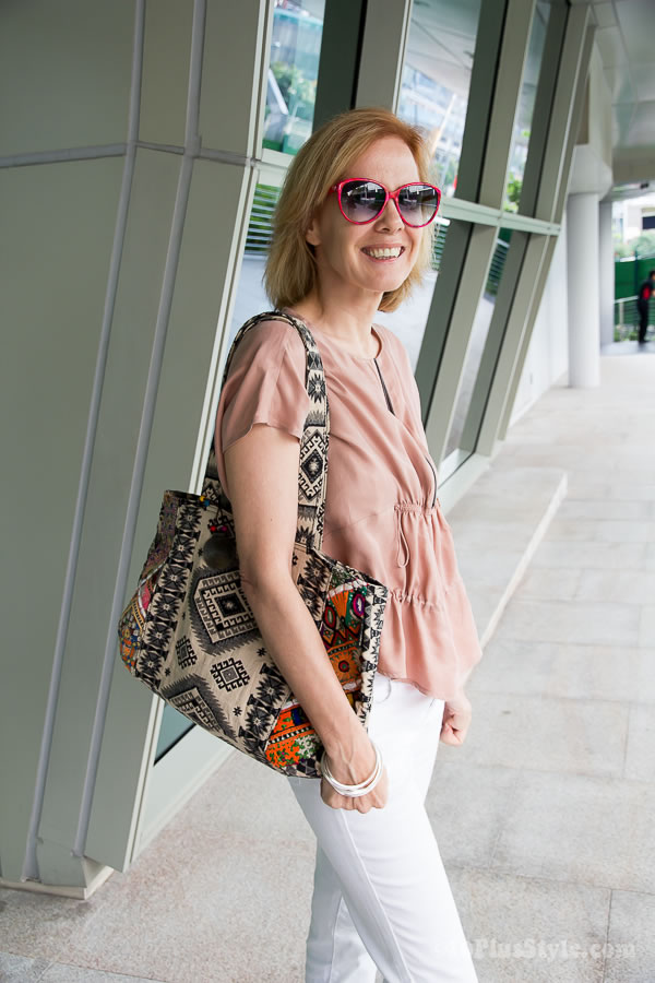 Wearing pastels with a printed bag | 40plusstyle.com