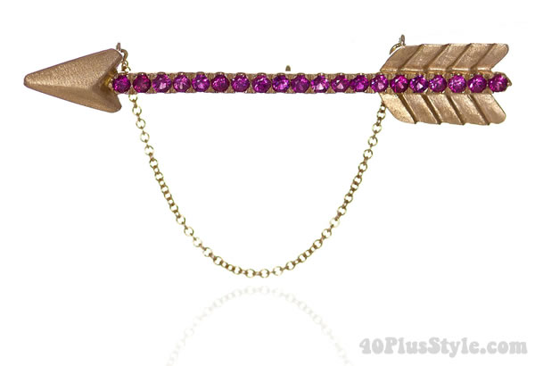 Forward First brooch - Taula | 40plusstyle.com