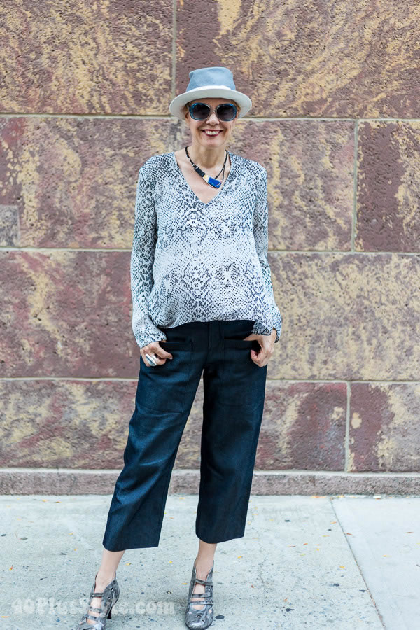 How to wear capris or cropped pants