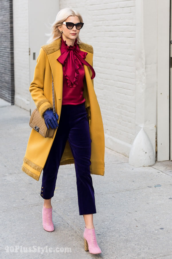 Streetstyle inspiration: bold color blocking | 40plusstyle.com