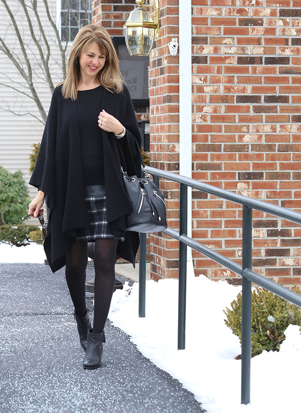 All black outfit | 40plusstyle.com