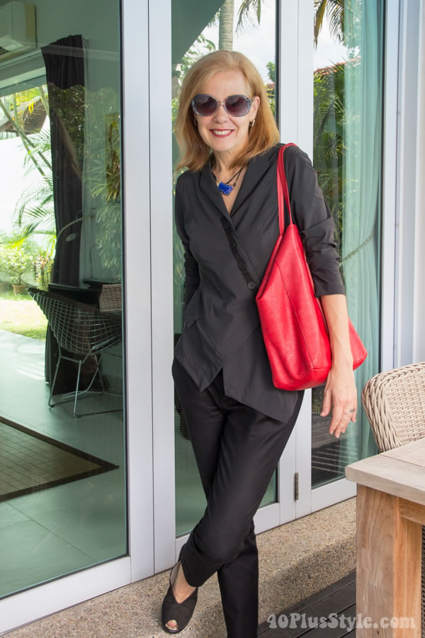 Monochromatic outfit with touches of color | 40plusstyle.com