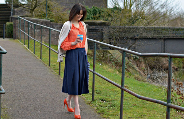 Navy skirt outfit ideas | 40plusstyle.com