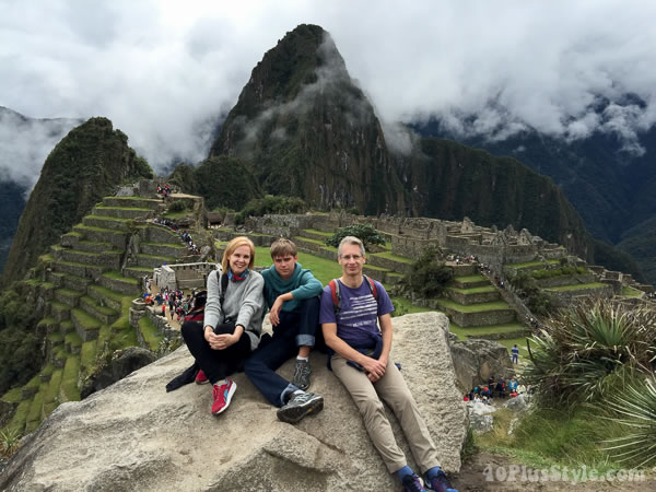 Family exploring South America | 40plusstyle.com