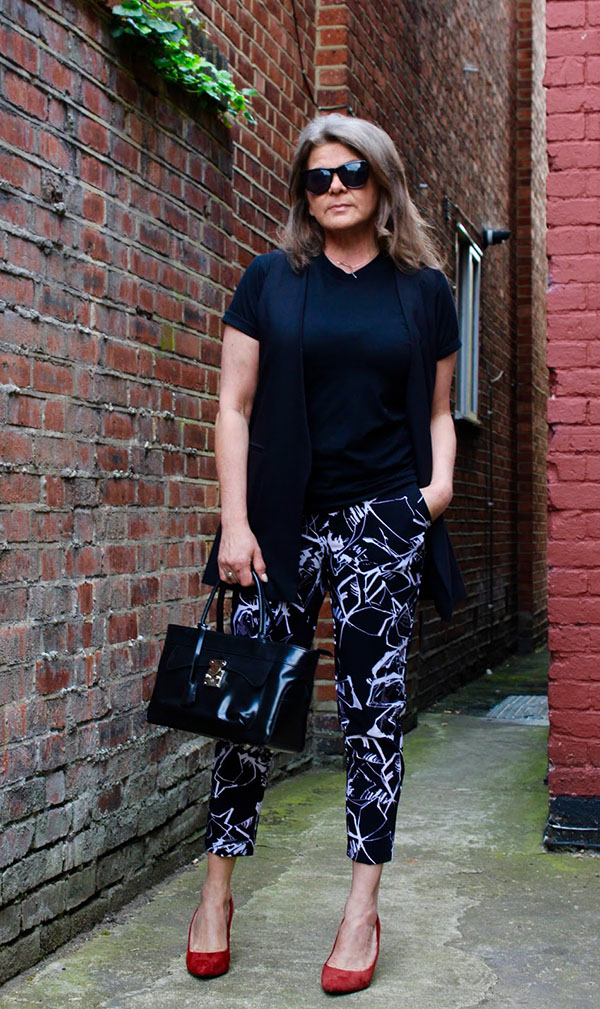 Style printed pants with red heels | 40plusstyle.com