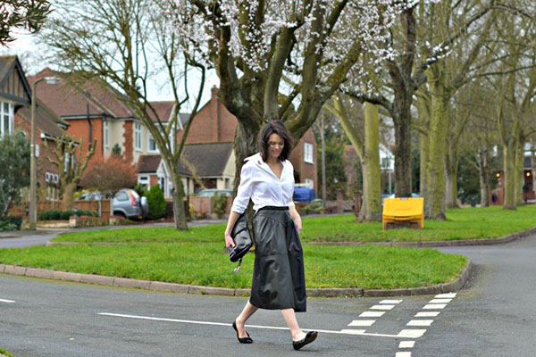 White blouse outfit idea | 40plusstyle.com