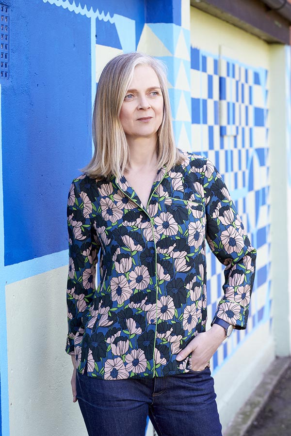City fashion outfit: Floral blouse | 40plusstyle.com