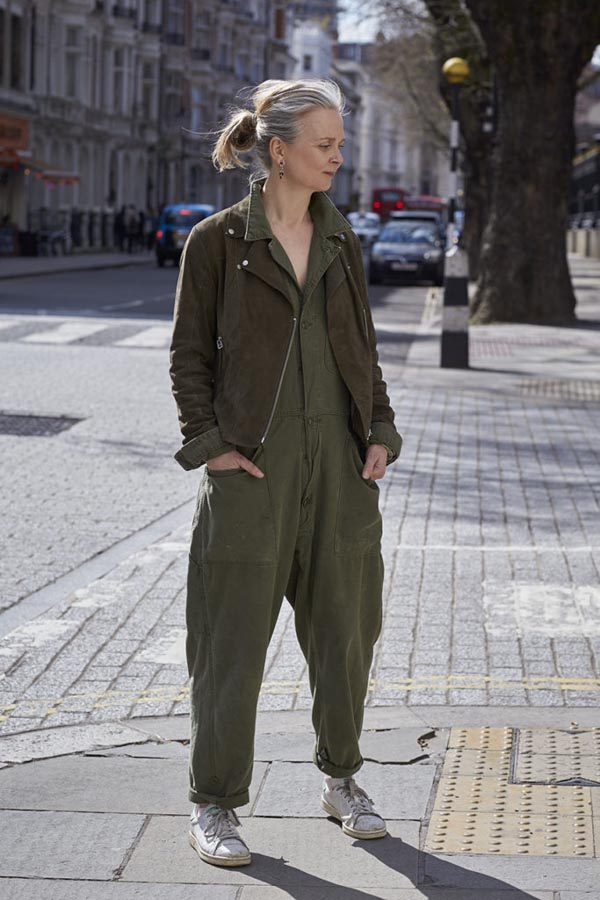 Army green outfit inspiration for everyday wear | 40plusstyle.com