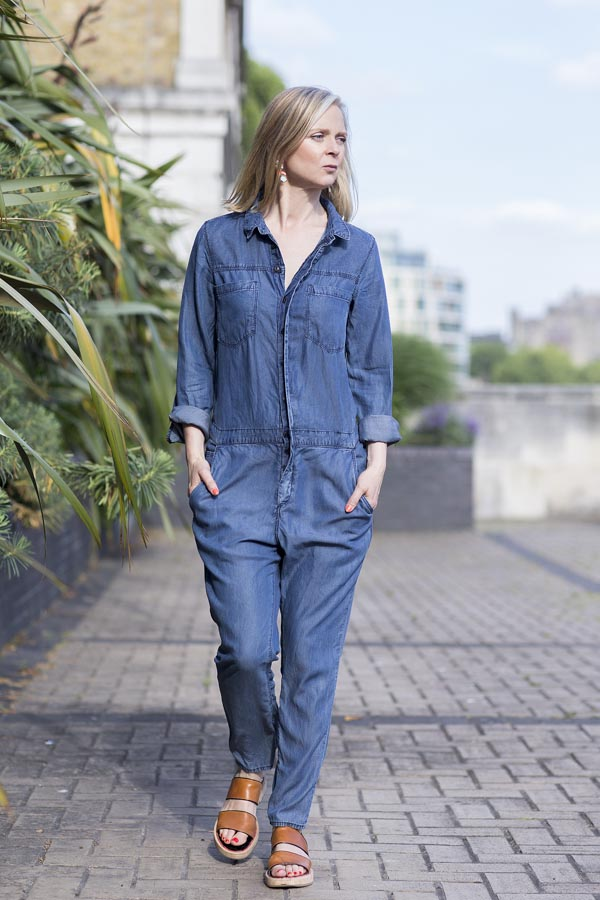 Chic blue denim romper fashion | 40plusstyle.com