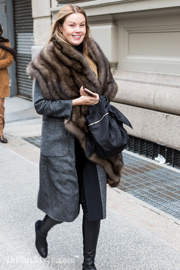 Winter outfits: ideas on how to keep warm and stylish | 40plusstyle.com