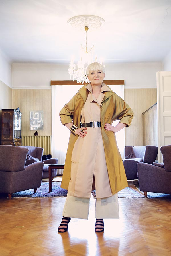 Chic coat and culottes outfit inspiration | 40plusstyle.com