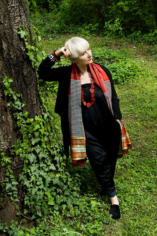 Black and red outfit idea: red scarf and accessories | 40plusstyle.com