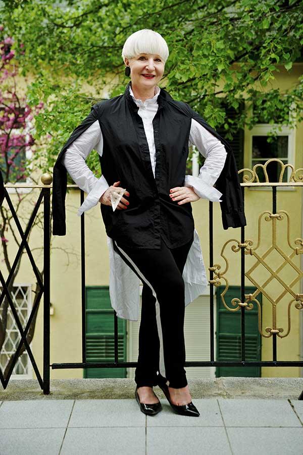 Unique outfits ideas: cape sleeves | 40plusstyle.com