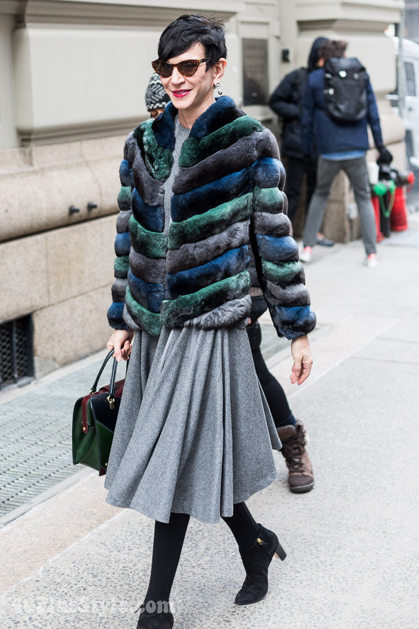 Streetstyle inspiration: wearing gray - 6 stylish looks, which is your favorite? | 40plusstyle.com