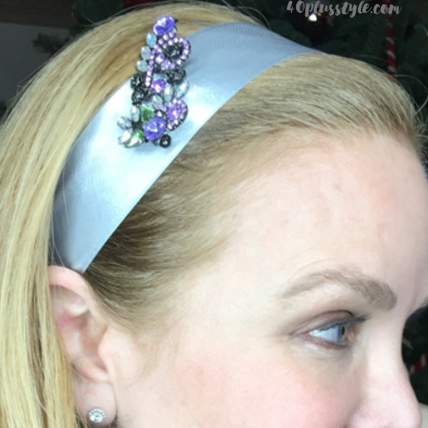 Easy and stylish holiday hairdos for women over 40 | 40plusstyle.com