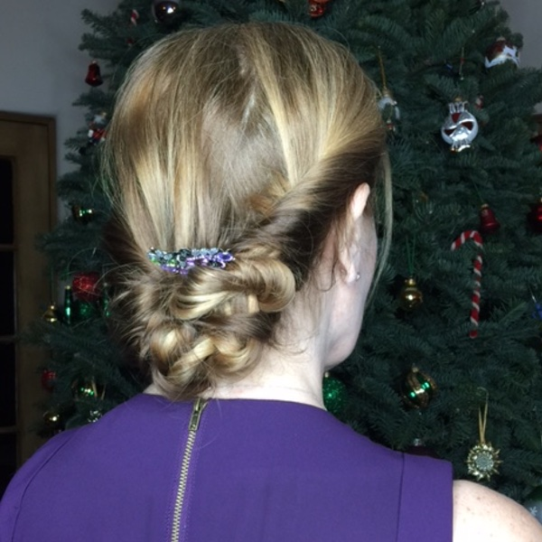 An easy updo for women over 40 40plusstyle.com