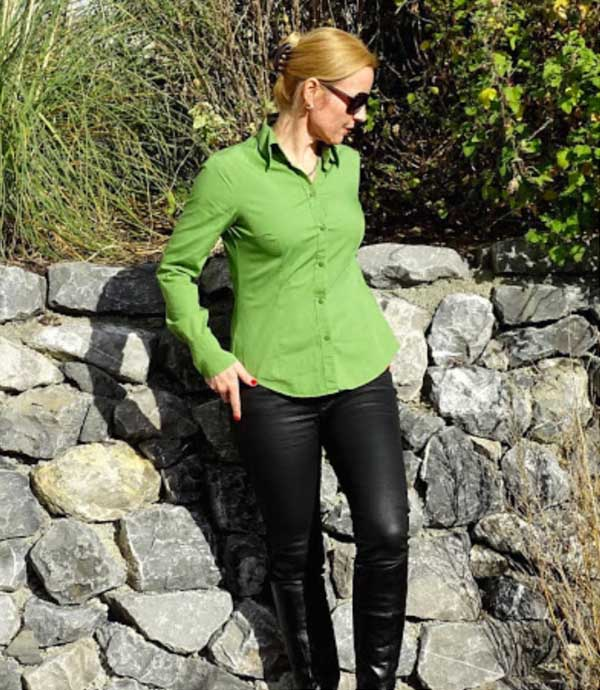 Green outfits | 40plusstyle.com