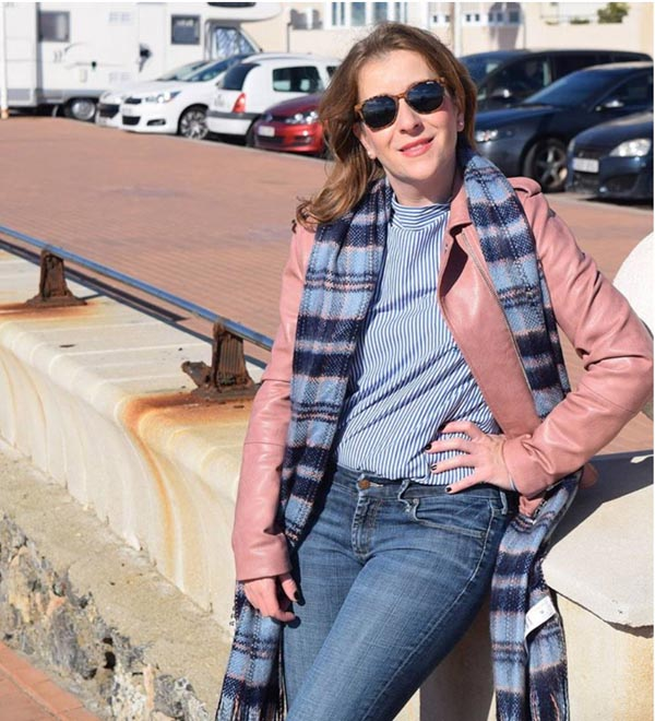 Blue stripes with a pink jacket | 40plusstyle.com