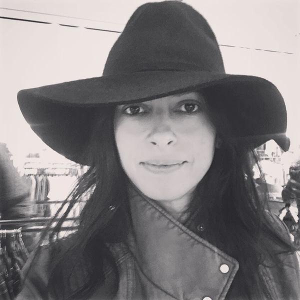 Floppy hat beauty skin care | 40+ Style