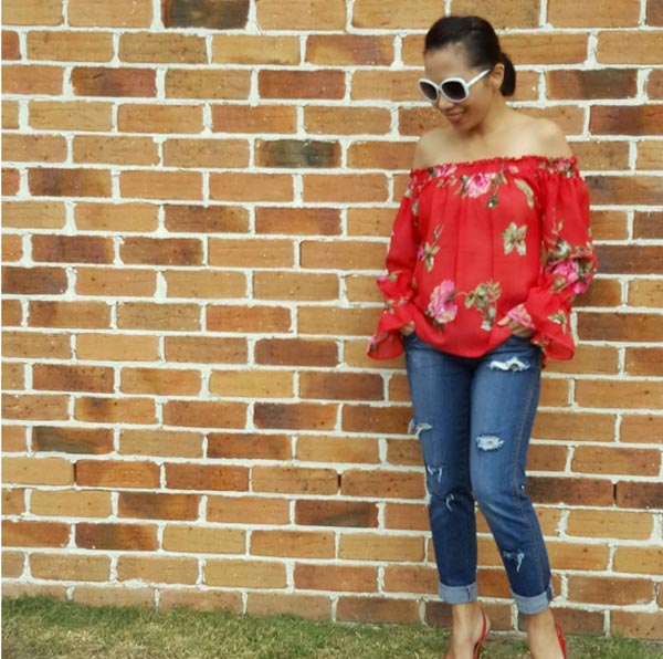 distressed denim jeans | 40plusstyle.com