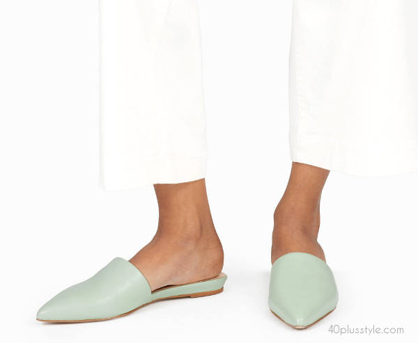 minimalist pointed toe slide by everyone | 40plusstyle.com