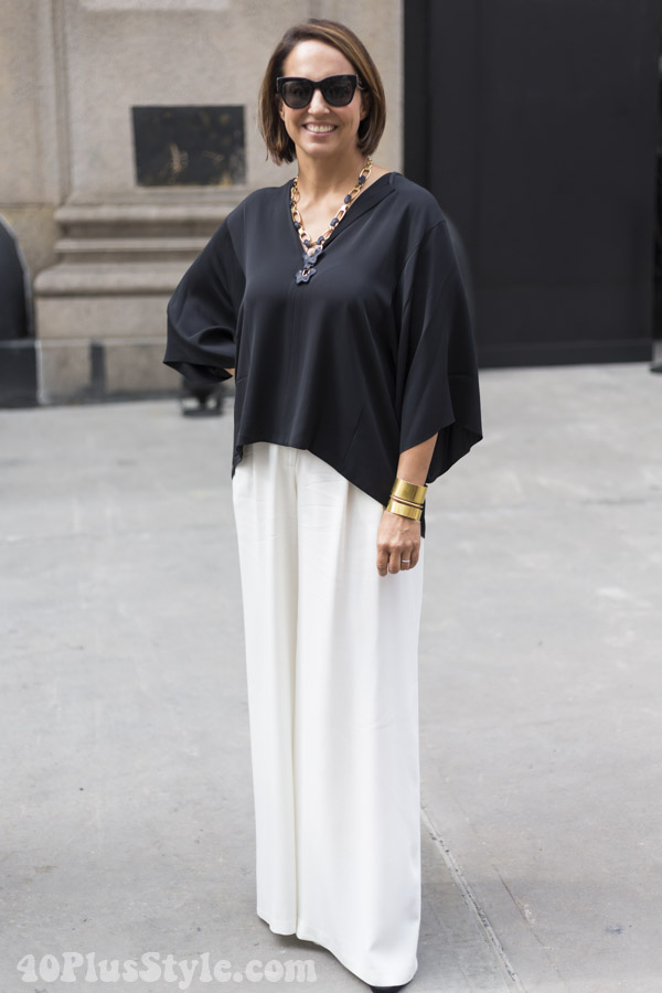40+ streetstyle inspiration: black and white outfits | 40plusstyle.com