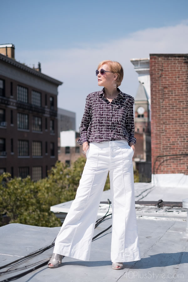 Wide legged pants with a printed shirt | 40plusstyle.com
