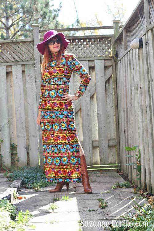 Groovy 70's dress | 40plusstyle.com