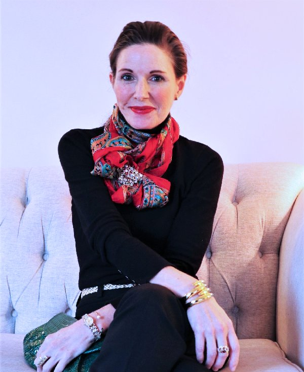 How to wear a scarf and brooch over 40 | 40plusstyle.com