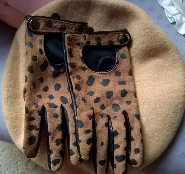 Chic gloves and styling ideas for women over 40   40plusstyle.com