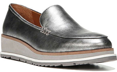 A list of silver shoes for women over 40 | 40plusstyle.com