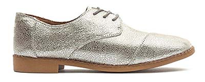 chic silver shoes | 40plusstyle.com