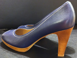 Ecco blue shoe