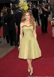sarah jessica parker green yellow dress | 40plusstyle.com