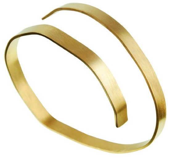 Golden contemporary bangle