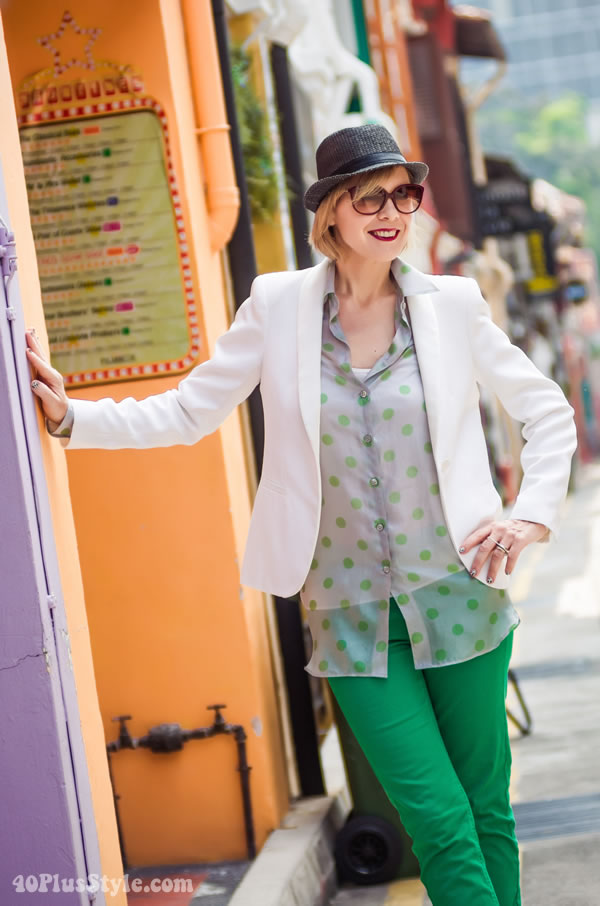 Dandy chic outfit with bright green pants 3f397391d