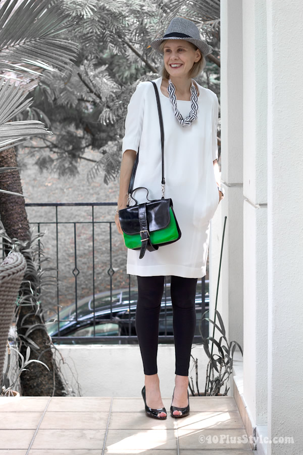 707eb86775643 Wearing a white dress with black leggings
